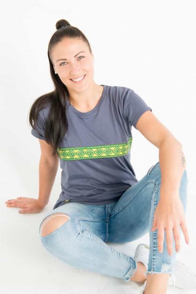 Kudhinda - Woman - Charcoal Grau - Organic Shirt